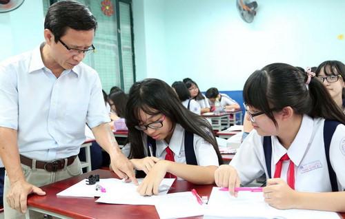Giáo viên lo lắng vì thi tiếng Anh