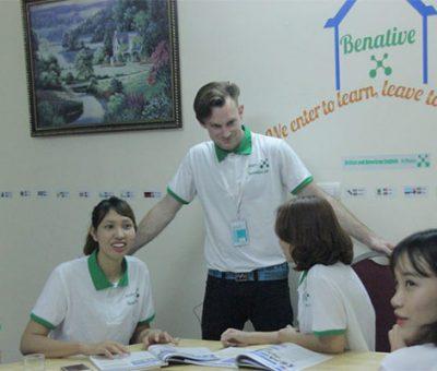 Học tiếng Anh homestay cùng Benative